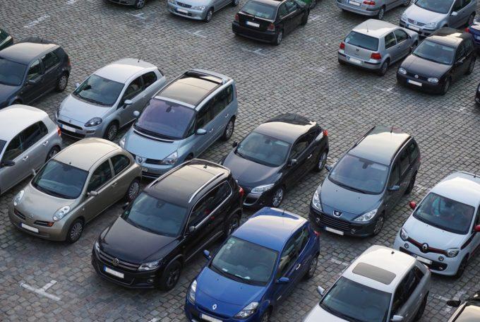 Jak parkować samochodem?